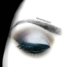 Another look I enjoyed doing😍  I used a very inexpensive palette here. Any guess?? Essence Rose eyeshadow palette❤💋 #bbloggers#dubaibloggers #photography #makeupaddict #makeuplover #bblogger#dubaiblogger #uaeblogger #followme #dubaipr  #dubaimedia #photooftheday #herbalessentialsme #moisturizer #flatlay #beautyblogger #mydubai #UAE#Dubai #دبي #الإمارات #likes4likes#beautyaddict #organic