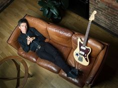 Noel Gallagher, Leather Pants, Oasis, Guitar, Fashion, Leather Jogger Pants, Moda, Fashion Styles, Leather Joggers