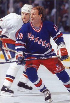 Hockey Games, Hockey Puck, Ice Hockey, Hockey Pictures, Sports Pictures, Montreal Canadiens, Canada Hockey, Stars Hockey, Rangers Hockey