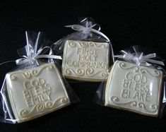 First Holy Communion or Baptismal Favors por Baileysdozen en Etsy Communion Party Favors, Baptism Party Favors, Baby Boy Baptism, Baby Christening, Baby Baby, Christening Cookies, Cookie Favors, First Holy Communion, Cookie Decorating