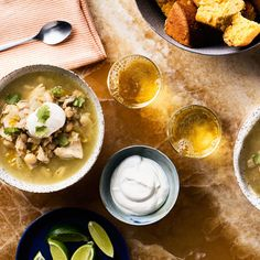 45 White Bean Recipes for Easy Soups, Salads, and Stews White Bean Recipes, Bean Soup Recipes, Slow Cooker Recipes, Cooking Recipes, Chicken Thigh Recipes, Easy Dinner Recipes, Easy Dinners, Dinner Ideas, Food Dishes