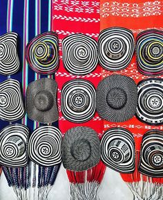 Fun fact: Sombreros vueltiao, these traditional Colombian hats, are made from cane leaves and are one of the country's national symbols (so much so that the 2004 Colombian Olympic team all wore them in the opening ceremony). Originally created by the indigenous Zenú people, they are now made throughout the country. #cartagenalafantastica