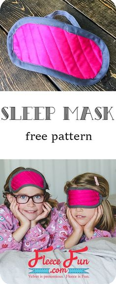 easy sleep mask tutorial ♥ This child sleeping mask is perfect while traveling, or in a room where there is a lot of light. It's also a fun accessory to holiday pajamas and for Diy Sewing Projects, Sewing Projects For Beginners, Sewing Tutorials, Sewing Ideas, Sewing Hacks, Fleece Projects, Sewing Tips, Sewing Crafts, Love Sewing