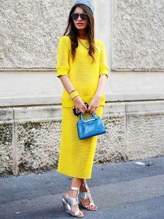 Gelb zu Blau und dezente Silbertöne - der perfekte Color-Blocking Look für den Sommer.