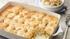 pot pie, we found a new way to enjoy our favorite comfort food in a All of the flavors of chicken pot pie come to life in a rice mixture topped with buttery biscuits. The end result? New Recipes, Cooking Recipes, Favorite Recipes, Dinner Recipes, Cooking Videos, Easy Cooking, Dessert Recipes, Casserole Dishes, Recipes