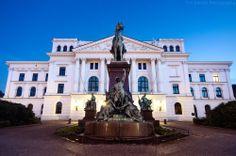 Rathaus Altona Platz der Republik 1 | #hamburg #altona #cityhall #city #hamburgo #hh mit freundlicher Genehmigung von www.facebook.com/TimGerdtsPhotography gepinned von der Hamburger Werbeagentur BlickeDeeler >>> www.BlickeDeeler.de