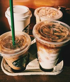 Poll time: Do you like the pumpkin spiced latte (iced or hot) from Starbucks? I personally don't,… – jimp-batch Copo Starbucks, Starbucks Drinks, Starbucks Coffee, Iced Coffee, Coffee Drinks, Cappuccino Coffee, Coffee Americano, Coffee Jars, Starbucks Recipes