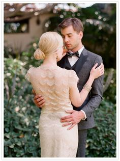 love the back :: lace wedding dress