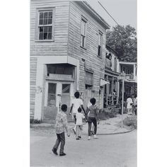 'Life' in Savannah, Georgia. (date unknown)