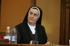 La Caja de Pandora: Primera mujer nombrada como rectora de Pontificia ...