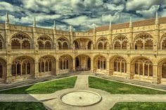 El claustro by Uxio  on 500px