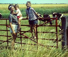 Zeeland, 1967 met broer en moeder.