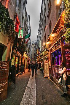 #Rue Privas, Paris