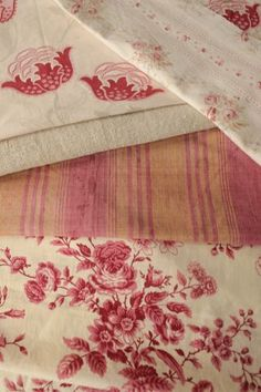 Lovely Project bundle cutting project pack ~ beautiful pink tones of antique French fabric pieces ~ www.textiletrunk.com