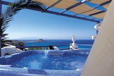 Миконос - райский остров и мировая арена гей путешествий