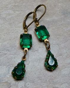 Art Deco Emerald Green Glass Earrings by WillowBloom on Etsy