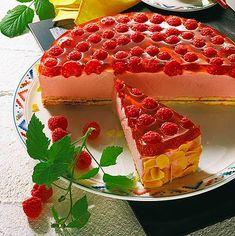 Malinový dort s jogurtovou smetanou