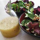 Salade Betteraves sur un lit de Laitue Amer et sa Sauce Vinaigrette aux Noix