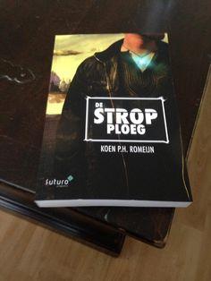 """Leuk, lezer Jacco is blij met zijn nieuw ontvangen boek 'De Strop Ploeg': """"Zo Koen Romeijn, we kunnen beginnen met lezen"""". Veel leesplezier Jacco. #destropploeg #koenromeijn #futurouitgevers #scifi"""