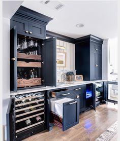 Bars for home, home bar designs и basement kitchen. Kitchen Pantry Design, New Kitchen, Kitchen Wet Bar, Wet Bar Sink, Kitchen Island With Cooktop, Bar Sinks, Kitchen Ideas, Kitchen Decor, Kitchen Bars