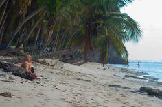 Meditation before climbing. Photo Wladimir Eusebio.- Playa Fronton in Las Galeras, Samaná