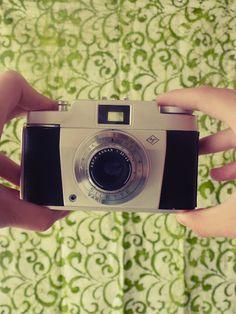 DIY VINTAGE EFFECT!  Make your pictures look older.