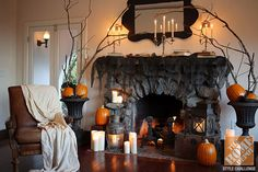 Spooky Halloween decorations for the fireplace mantel