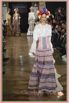 Camisa y falda flamenca inspiradas en Frida Khalo de Sergio Vidal