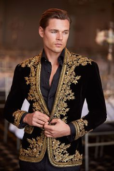 Couture Menswear is a designer custom suits brand in Sydney specialising in bespoke suits for weddings and business. Suit Fashion, High Fashion Dresses, Mens Fashion, Mode Baroque, Designer Suits For Men, Versace Men, Wedding Suits, Wardrobe Design, Ideias Fashion