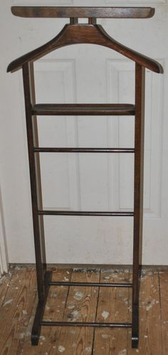 vintage wooden gentleman 39 s suit clothes valet stand rack. Black Bedroom Furniture Sets. Home Design Ideas
