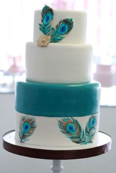 white and teal peacock feather wedding cake.this is definitely going to be my wedding cake (someday! Feather Cake, Peacock Cake, Peacock Wedding Cake, Wedding Cakes, Peacock Theme, Pretty Cakes, Beautiful Cakes, Amazing Cakes, Unique Cakes