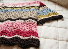 alexia dives posted Free Knitting Pattern: The Amy Cowl to their -knits and kits- postboard via the Juxtapost bookmarklet. Baby Afghan Crochet, Knitted Afghans, Knitted Baby Blankets, Baby Afghans, Knitting Patterns Free, Knit Patterns, Free Knitting, Baby Knitting, Blanket Patterns