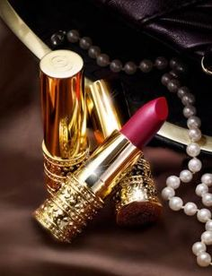 lipstick and pearls