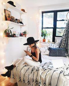 Cool DIY Hipster Bedroom Decorations Ideas – Decorating Ideas - Home Decor Ideas and Tips Bedroom Inspo, Home Bedroom, Bedroom Decor, Bedroom Ideas, Master Bedroom, Scandi Bedroom, Bedroom Shelves, Light Bedroom, Bedroom Chair