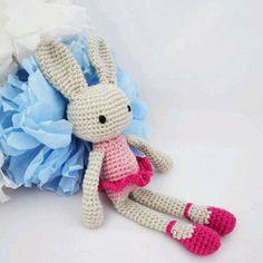 Neu in meinem Dawanda-Shop: ein süßer Ballerina-Hase. . . #bunny #doll #crochet #häkeln #amigurumi #häkelpuppe #kuscheltier #niggyarts #dawanda #häkelpuppe #lieblingspuppe #hase #hasenpuppe