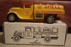 1931-Sterling-Shell-Tanker-Truck