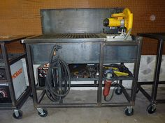 Jim Aderhold's Welding and Metalworking Hobby: Chop Saw & Cutting Grate Table - what a great table for the shop!!!!