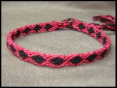 Friendship bracelet tutorial.... Beginner Dainty Diamonds