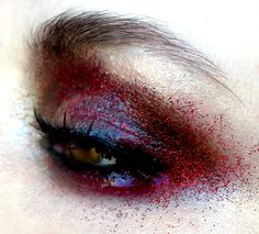 we love this cool eye design! #veilmakeup