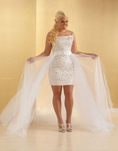 Stunning  Summer Plus Size Pieces High Low Beach Wedding Dresses Sparkly Rhinestones Beaded Tulle Detachable