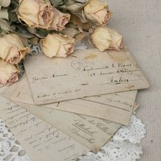 Dried Blush Cream Roses and Vintage Love Letters Amor Vintage, Vintage Books, Old Letters, Writing Letters, Handwritten Letters, Vintage Lettering, Lost Art, Old Postcards, Retro