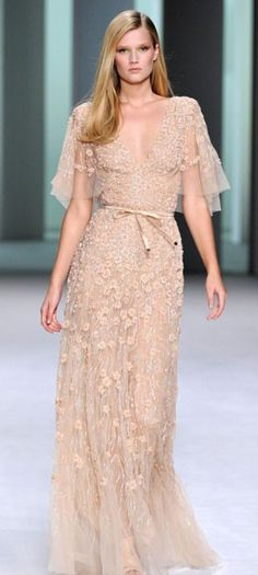 Elie Saab Pastel Gown... Gorgeous! I would want it strapless though.