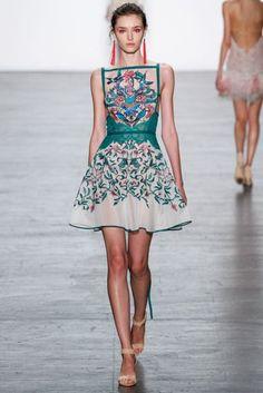 Tadashi Shoji Spring/Summer 2017 Ready-To-Wear Collection | British Vogue