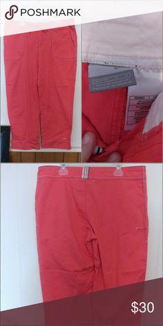 New without tags Nike Capri. Size Med Super cute capri Nike Pants Capris