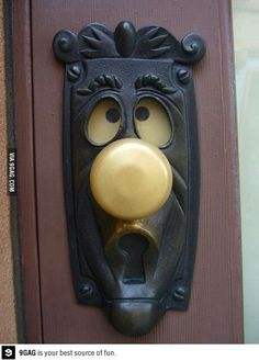 Funny pictures about Magical Alice In Wonderland doorknob. Oh, and cool pics about Magical Alice In Wonderland doorknob. Also, Magical Alice In Wonderland doorknob. Door Knobs And Knockers, Diy Door Knobs, Door Knockers Unique, The Doors, Front Doors, Home And Deco, Weird And Wonderful, Decoration, My House