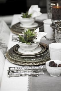 Designs for Daley Living: Holiday Table Settings
