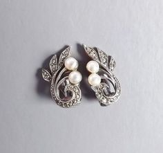 Vintage 1960s glass pearl & marcasite clip on earrings . silver tone cream flower bridal jewelry