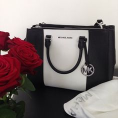 Welcome to our fashion Michael Kors outlet online store, we provide the latest styles Michael Kors handhags and fashion design Michael Kors purses for you. High quality Michael Kors handbags will make you amazed. Michael Kors Outlet, Handbags Michael Kors, Michael Kors Bag, Mk Handbags, Designer Handbags, Stylish Men, Stylish Outfits, Men's Outfits, Fashion Outfits