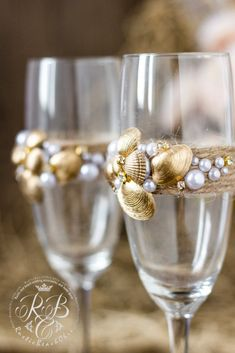 Beach Wedding\Champagne Glasses decorating Gold Shell\ Pearls\Crystals\Rope\Personalized toasting flutes\Exotic Beach\Beach Decor\2pcs\
