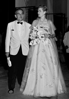 Princess Grace and her husband Prince Rainier III of Monaco arrive at the Monaco Sporting Club for the annual Red Cross gala ball on July 19, 1958. Description from ottawacitizen.com. I searched for this on bing.com/images